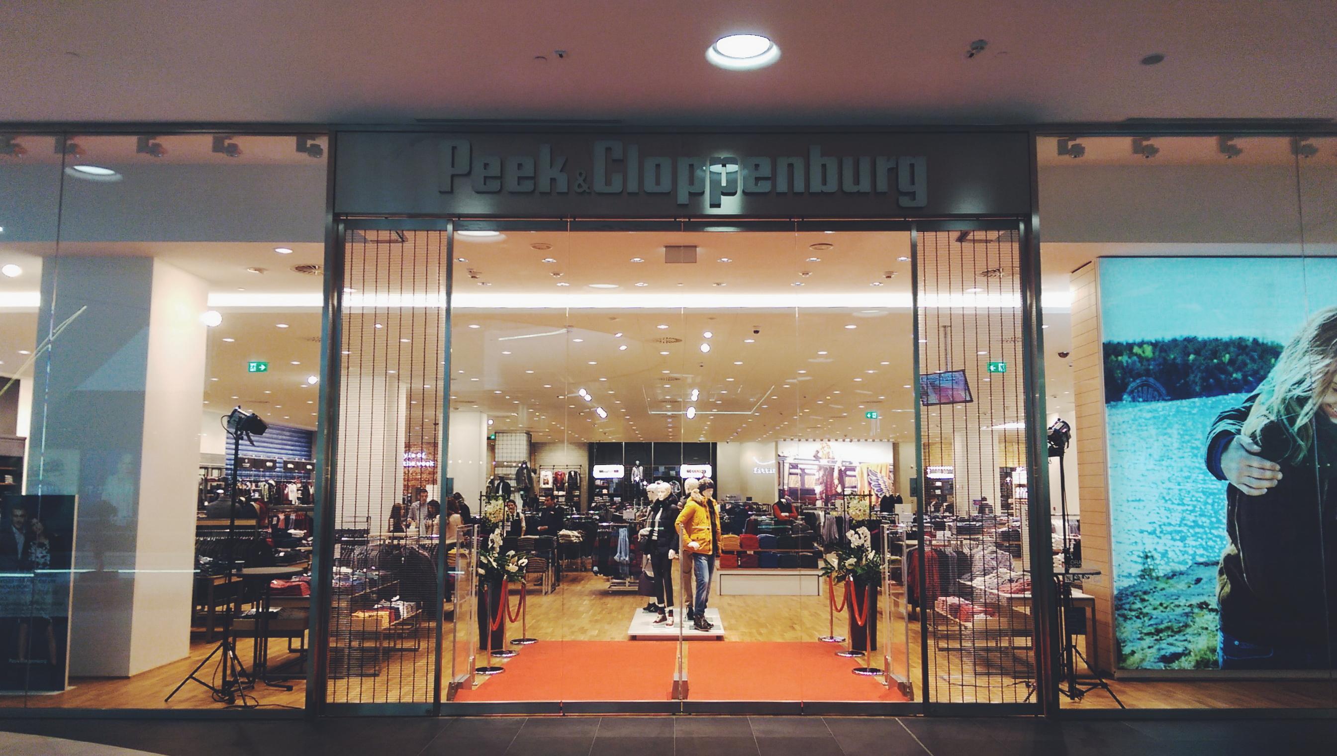 Peek & Cloppenburg a deschis astazi cel mai mare magazin
