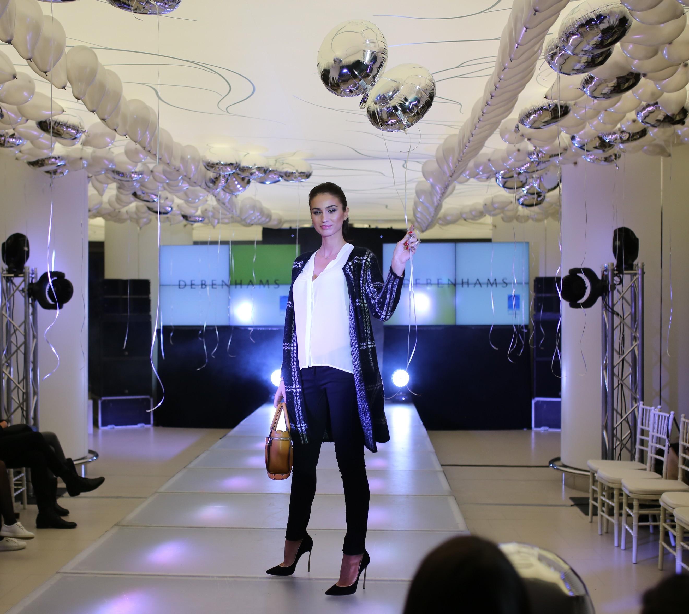 Vedetele au defilat pe podium la fashion show-ul București Mall