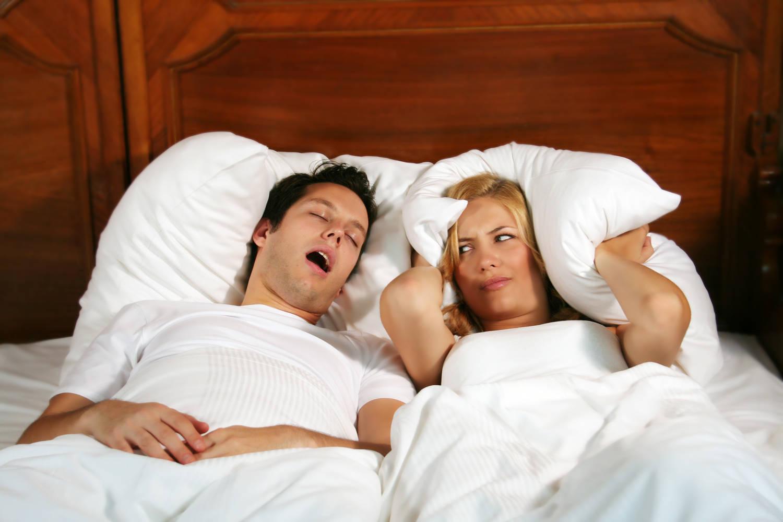 Scapa definitiv de sforait, pentru un somn linistit