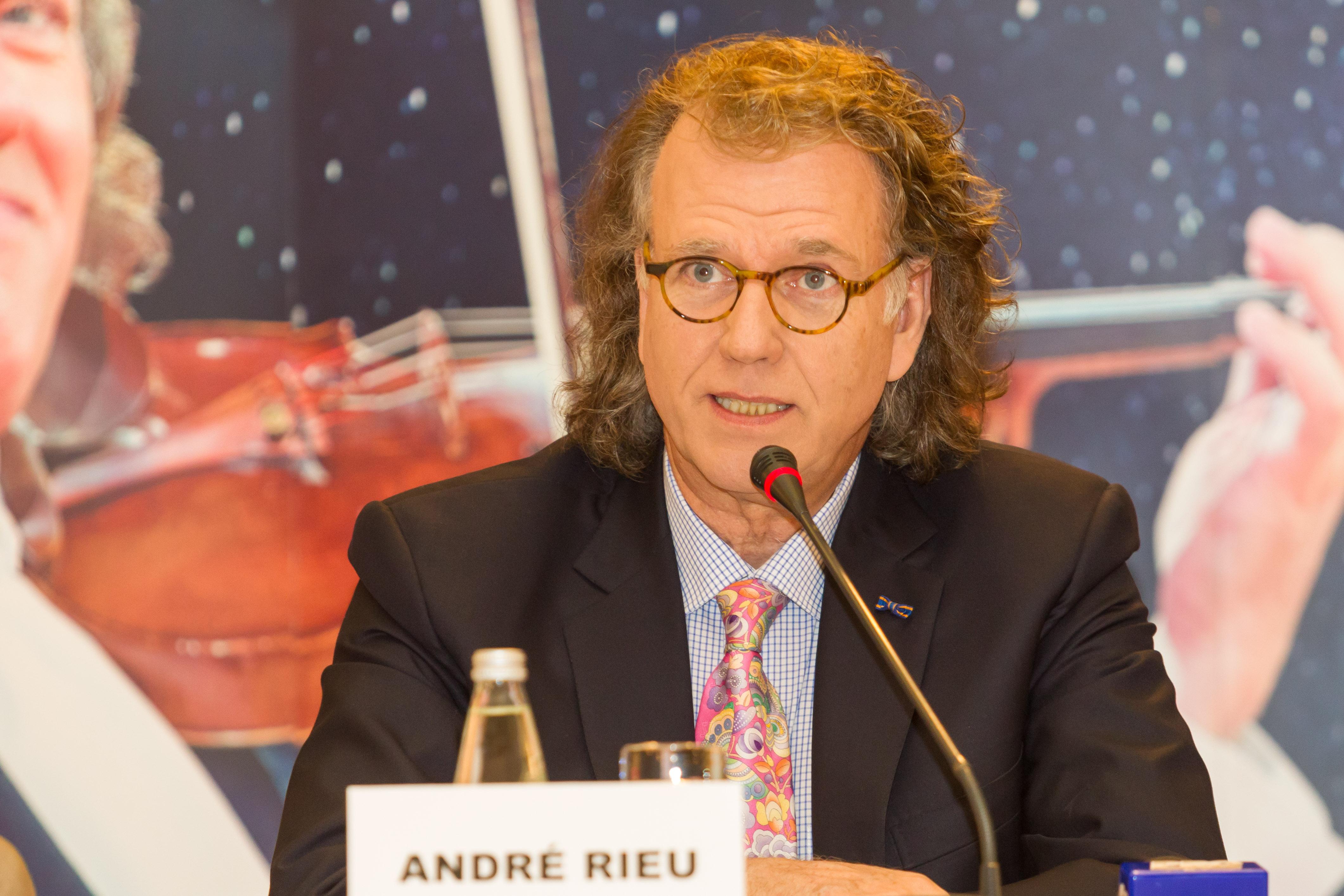 ANDRÉ RIEU si CARREFOUR, donații pentru #Colectiv