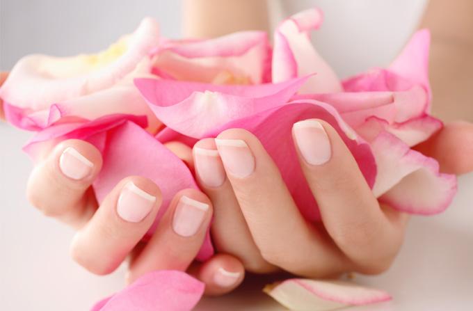 Expertul in ingrijirea unghiilor naturale