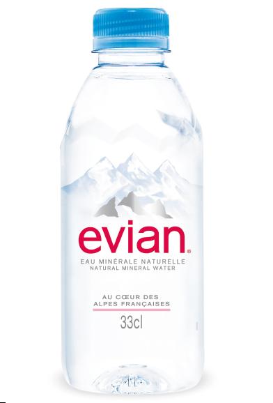 Noua sticlă Evian: IZVORÂTĂ DIN ALPII FRANCEZI