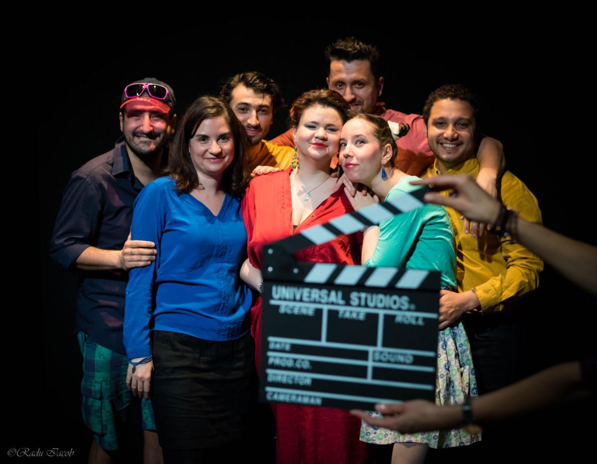 Improvisneyland – primii actori români invitați la IMPRO Amsterdam cu un spectacol despre ce înseamnă să fii român