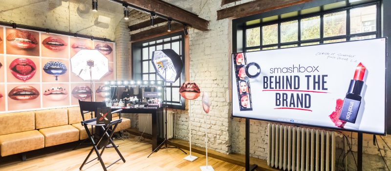Brandul de beauty SMASHBOX a venit in Romania!