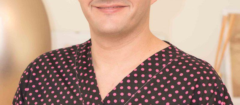Vrei fațete dentare? Dr. Adrian Mina îți spune la ce să fii atent!