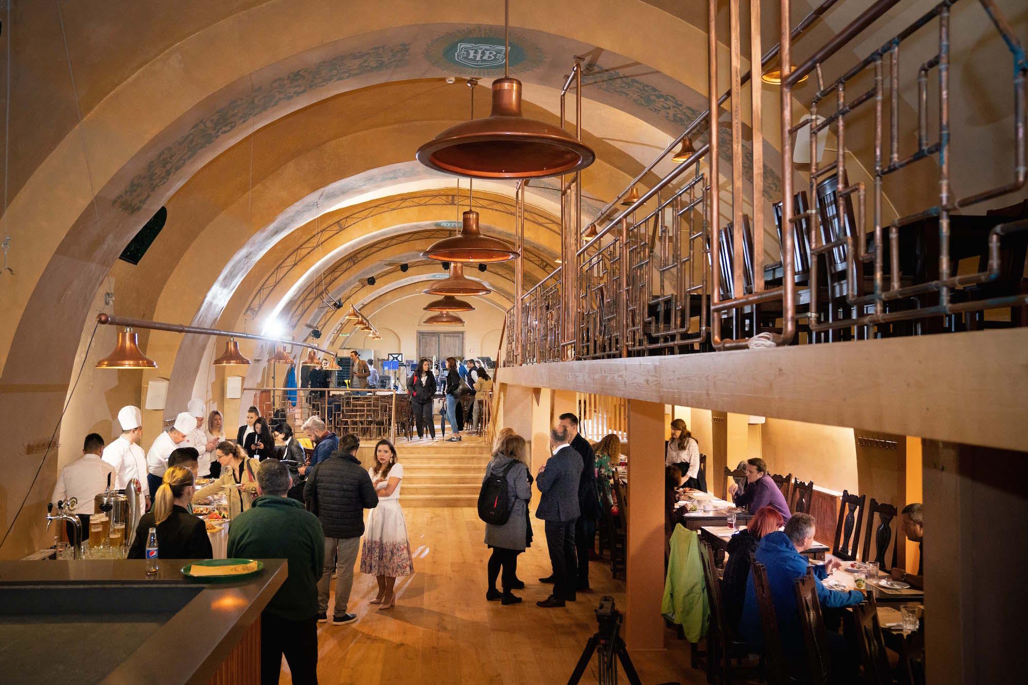 De 1 Mai, Grupul City Grill redeschide Becker Brau, operat de Hanu' Berarilor