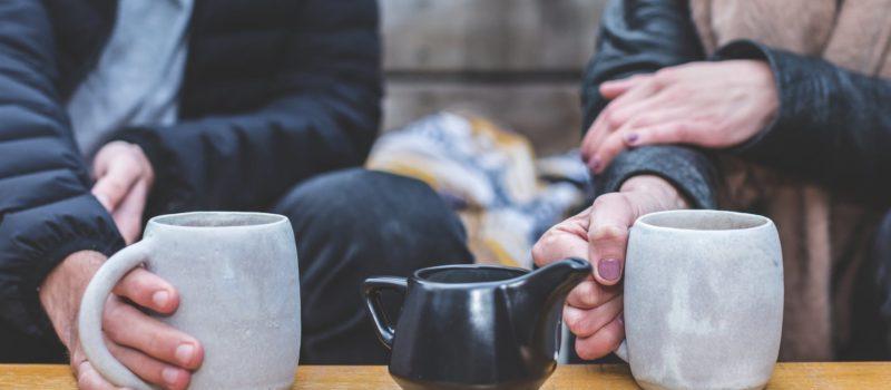Dating online de Sărbători: 5 motive pro și 3 contra